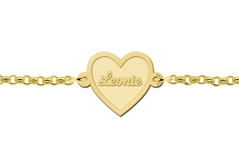 Gold heart bracelet including engraving